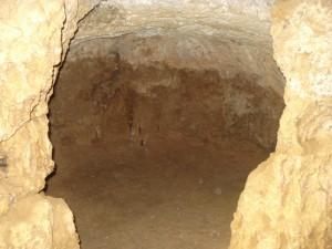 Une des grottes  où vécut Ibn Khaldoun